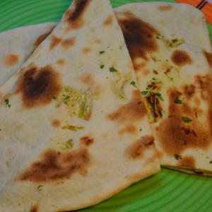 lehsuni naan recipe